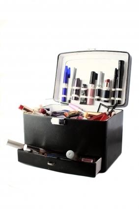 Makeup case]